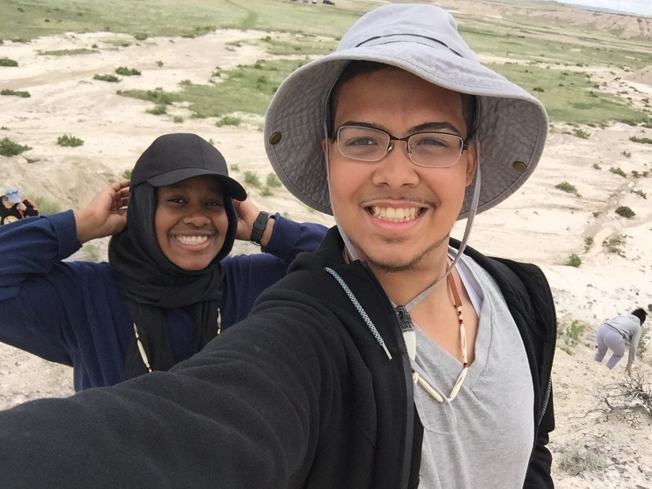 anthony and aya selfie at badlands